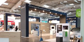 CeBIT 2017 Microsofts Dynamics ERP Stand mit Singhammer